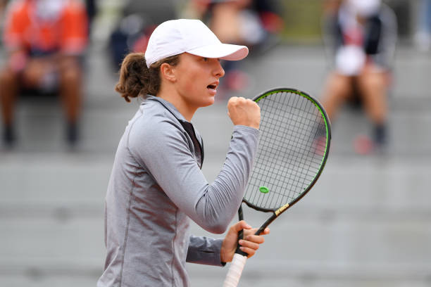 Iga Swiatek Upsets Simona Halep With Stunning Performance At The French Open Steve G Tennis