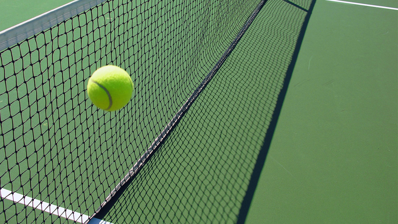 tennis-ball-and-net